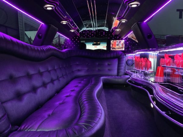 White Lincoln Town Car Full Stretched Limo 2
