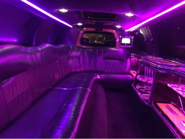 White Lincoln Town Car Full Stretched Limo 2 2